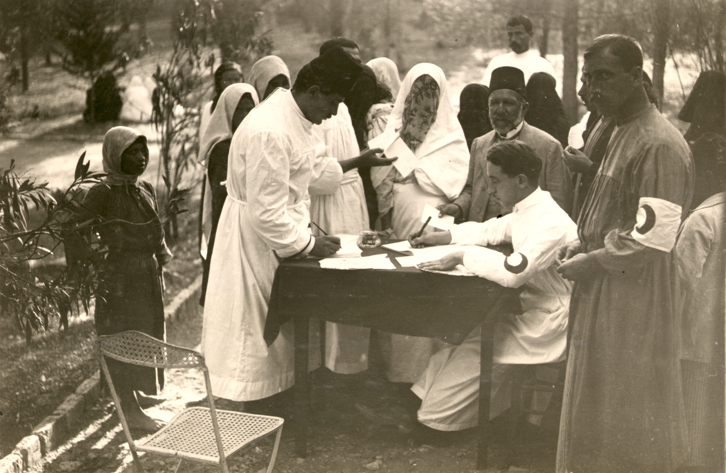 Red Crescent Relief Efforts in Jerusalem c1917 (source: US Library of Congress)
